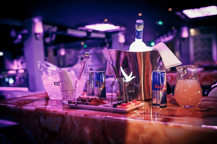 Be the Envy of your Peers by Booking a VIP Table at Nightclubs